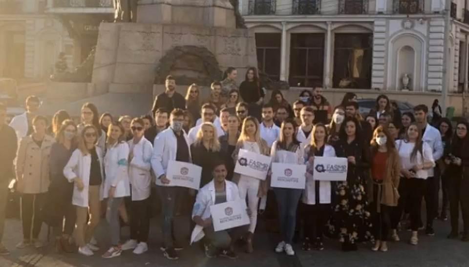 FASMR: Instabilitatea nu încurajează medicii să rămână în țară