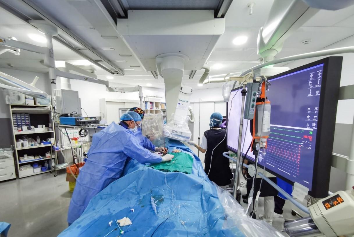 Cardiologie: 45 de pacienți au beneficiat de procedura TAVI în cadrul Spitalului Universitar de Urgență București