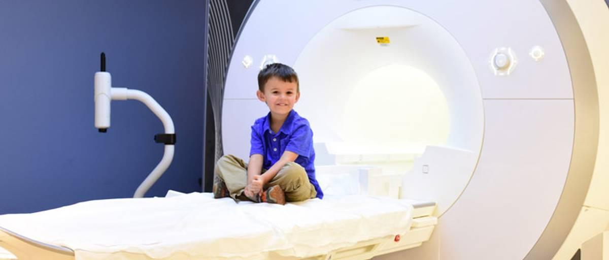 Jucării pentru copiii aflați în tratament la Institutul Oncologic București