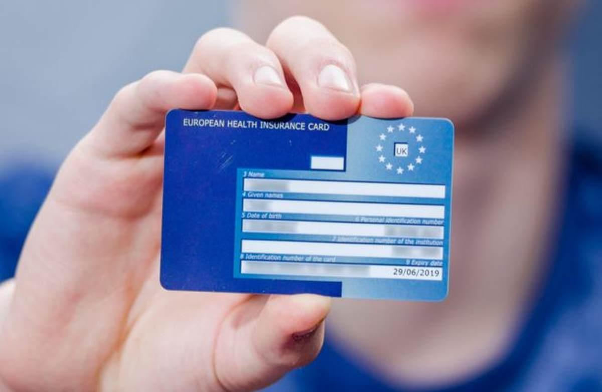 CNAS reia producția și distribuția cardurilor europene de sănătate
