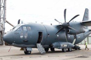 Pacient în stare gravă, transportat de la Suceava la București cu o aeronavă Spartan