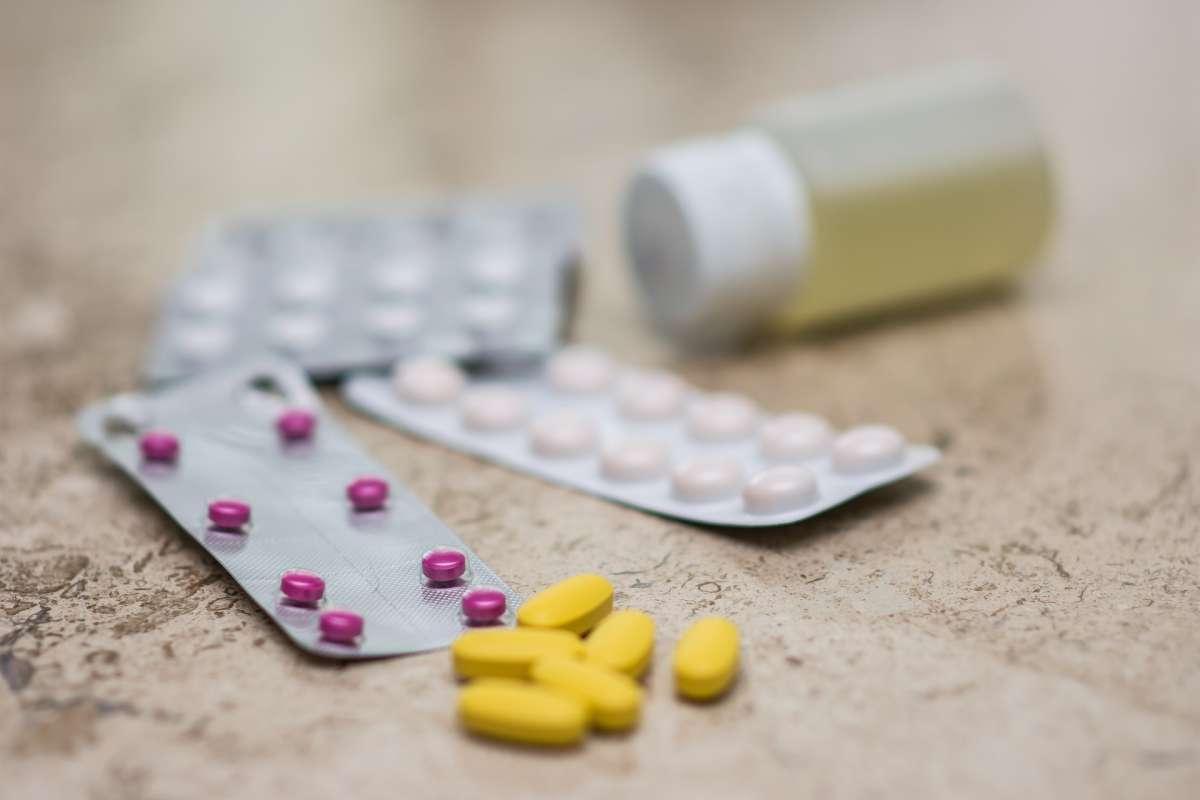 Înlocuitori pentru ranitidină – medicamente care reduc cantitatea de acid produsă de stomac