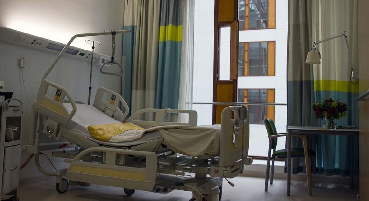 În ce condiții pot fi accesate gratuit serviciile oferite de spitalele private