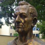 12 februarie: Se naște profesorul Theodor Burghele, fondatorul urologiei românești